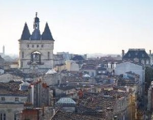 Achat / Vente programme immobilier neuf Bordeaux plein centre proche tramway Sainte-Catherine (33000) - Réf. 5383