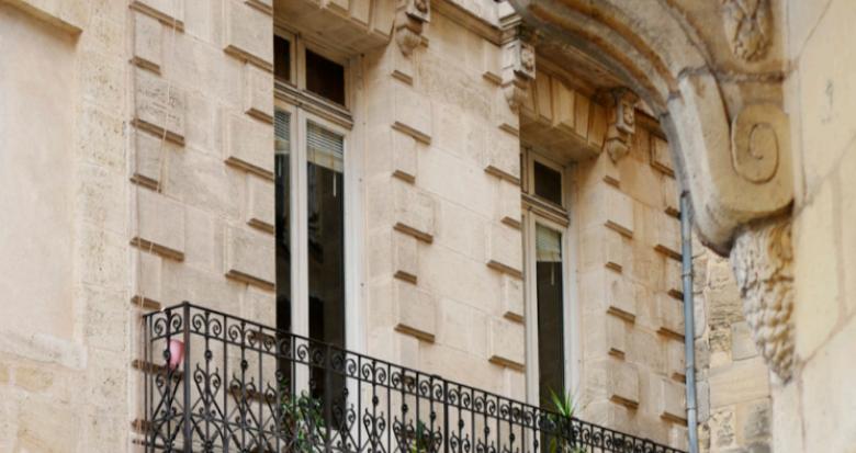 Achat / Vente programme immobilier neuf Bordeaux à 300 mètres de la Porte de Bourgogne (33000) - Réf. 5186
